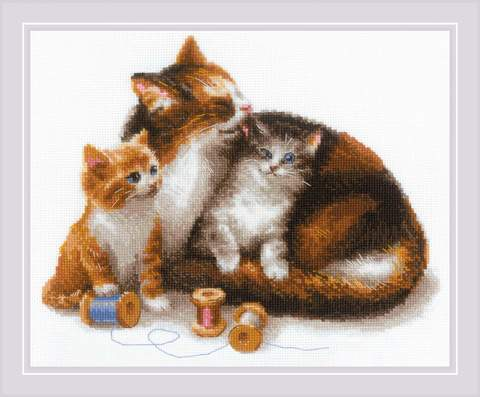 Набор для вышивания крестом «Кошка с котятами» (1811)