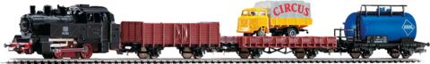 PIKO 57113 Стартовый набор «Грузовой поезд с паровозом», рельсы на подложке
