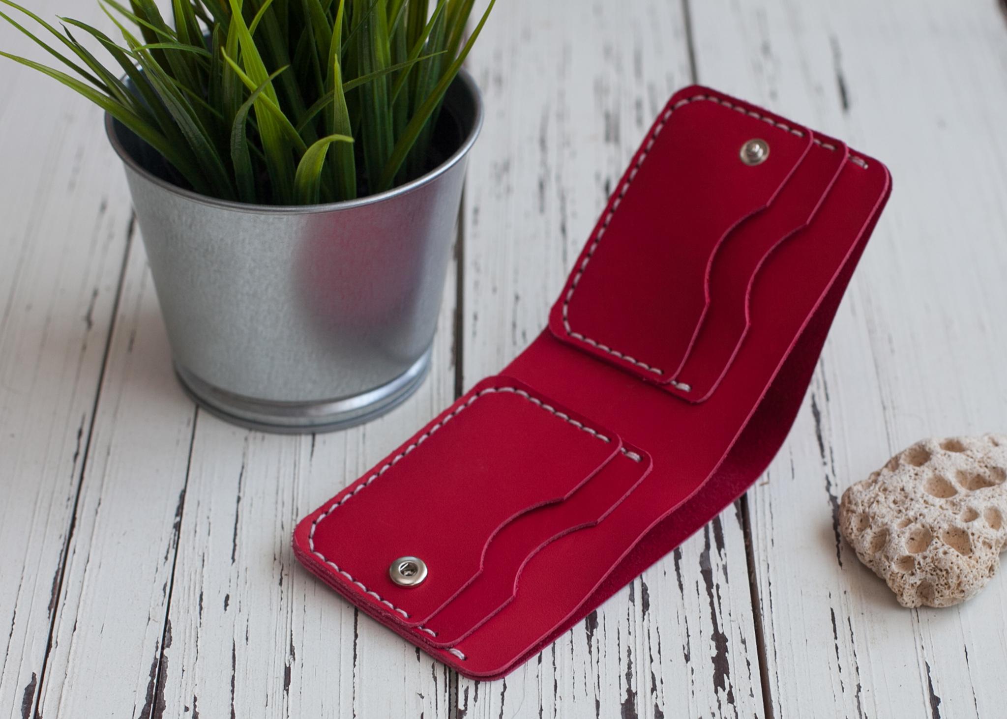 Мужской кошелек для денег и карт