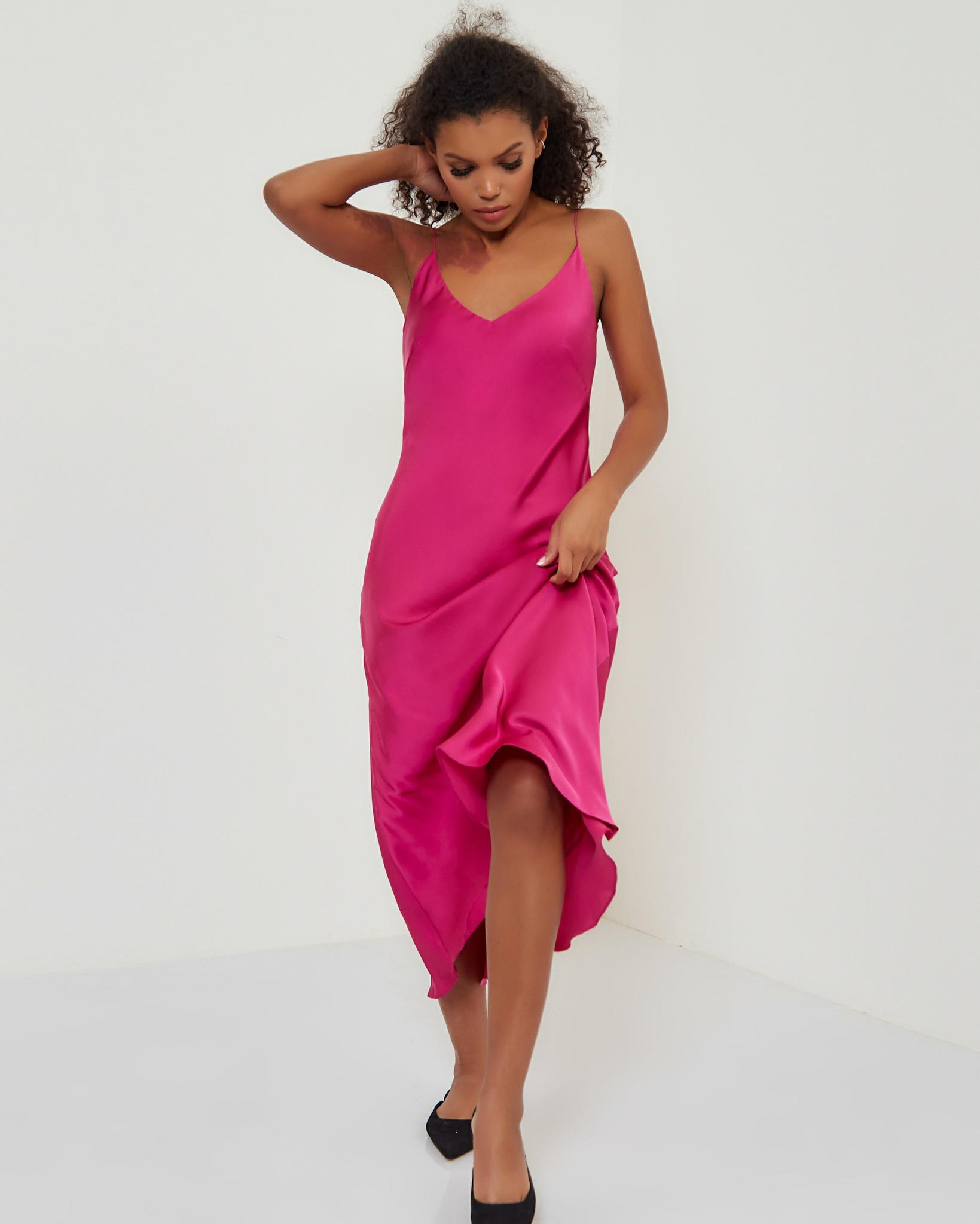 Платье-комбинация в цвете фуксия