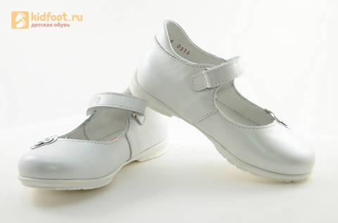 Туфли Тотто из натуральной кожи на липучке для девочек, цвет Белый, 10204A. Изображение 10 из 16.