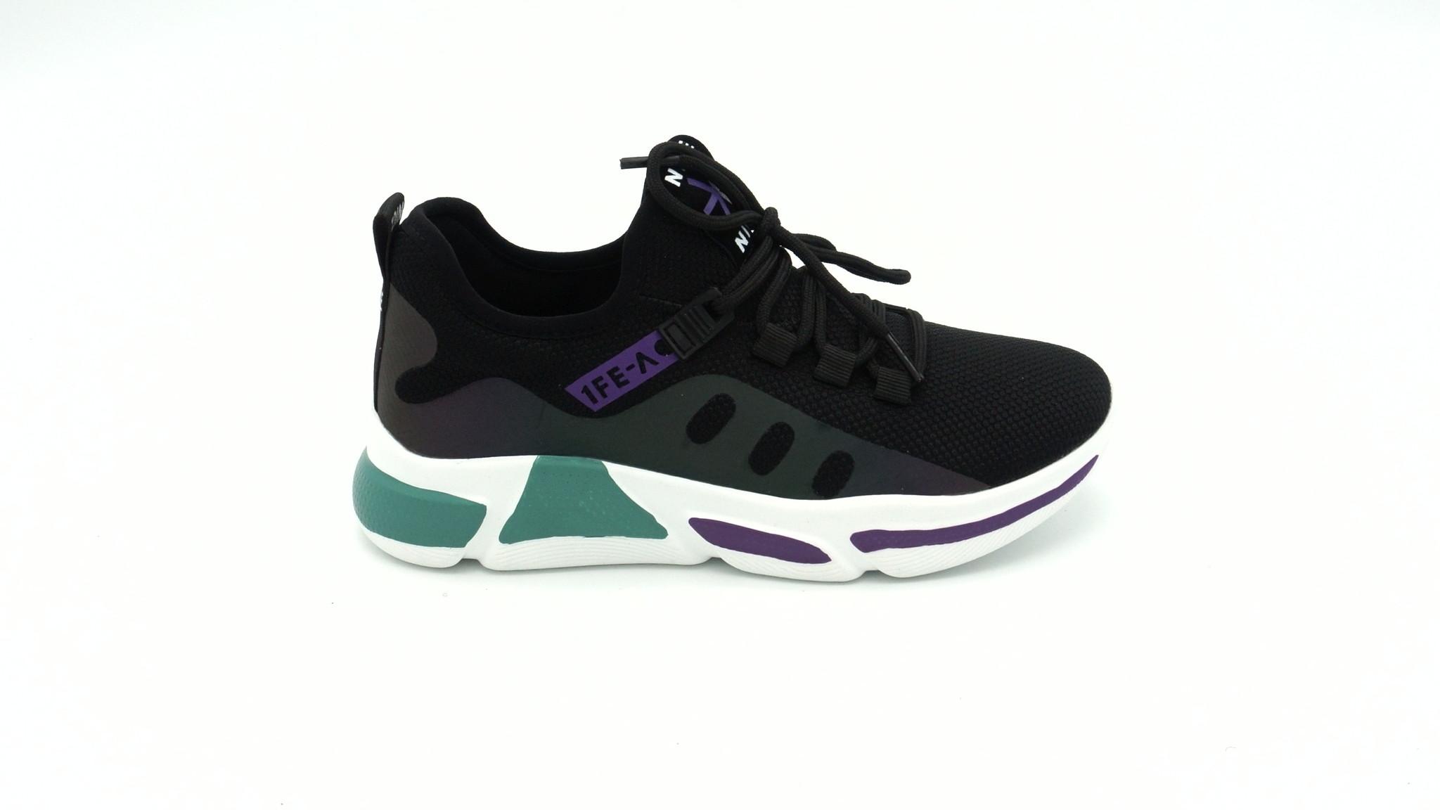 Черные текстильные кроссовки на платформе