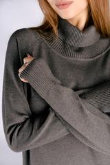 Платье вязаное серое с воротником недорого
