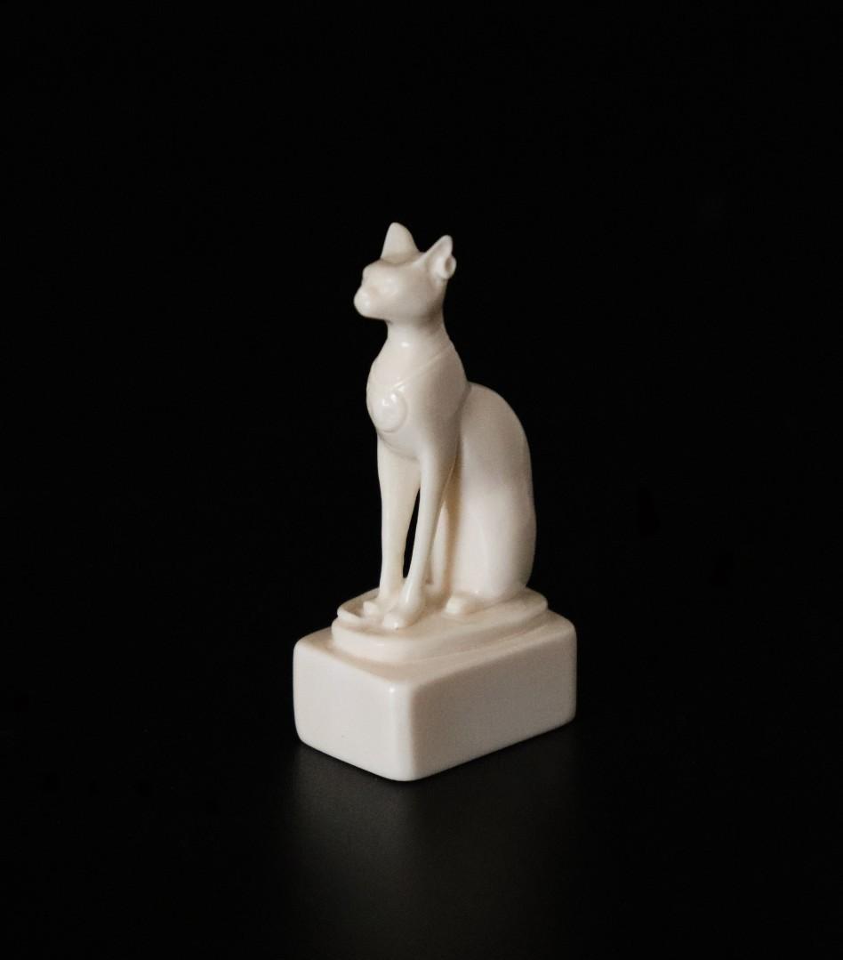 Скульптура из бивня мамонта «Сфинкс»