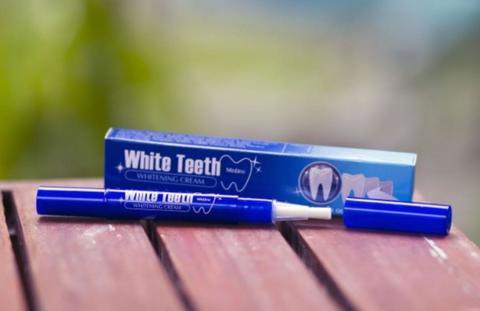 Крем-карандаш для отбеливания зубов Mistine