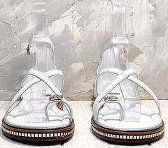 Красивые женские босоножки сандалии женские через палец Evromoda 454-402 White.