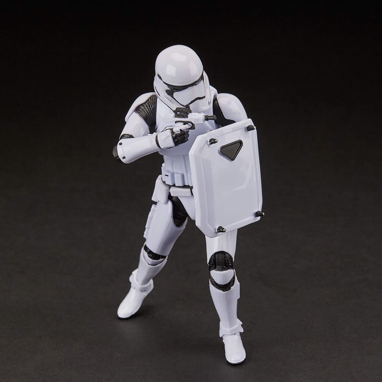 Фигурка Штурмовик Первого Ордена с шитом (First Order Stormtrooper) Star Wars: Black Series Звездные Войны