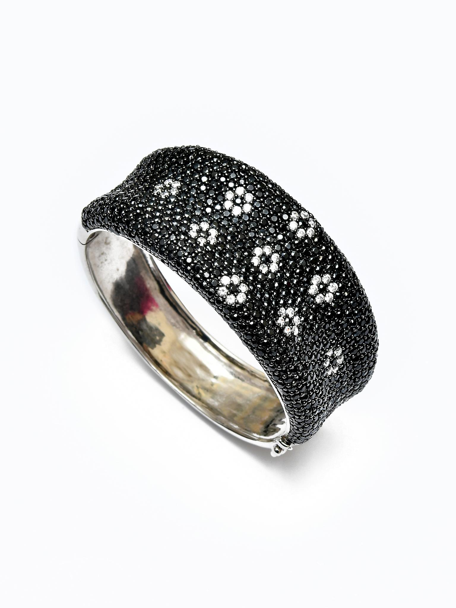 Стильный браслет с кристаллами от Akkad hsn.