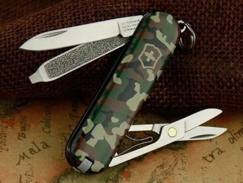 Нож Victorinox Classic камуфляжный (0.6223.94)