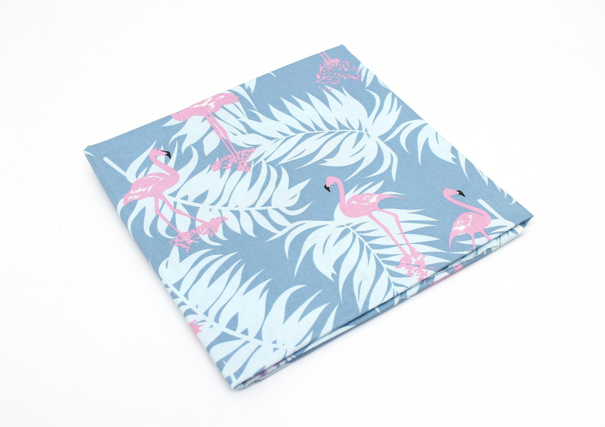 Фламинго синий фон