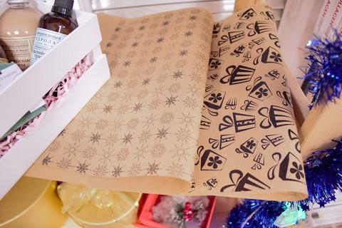 Подарочная коробка (крафт) 25х15х4 с окошком + крафтовый лист