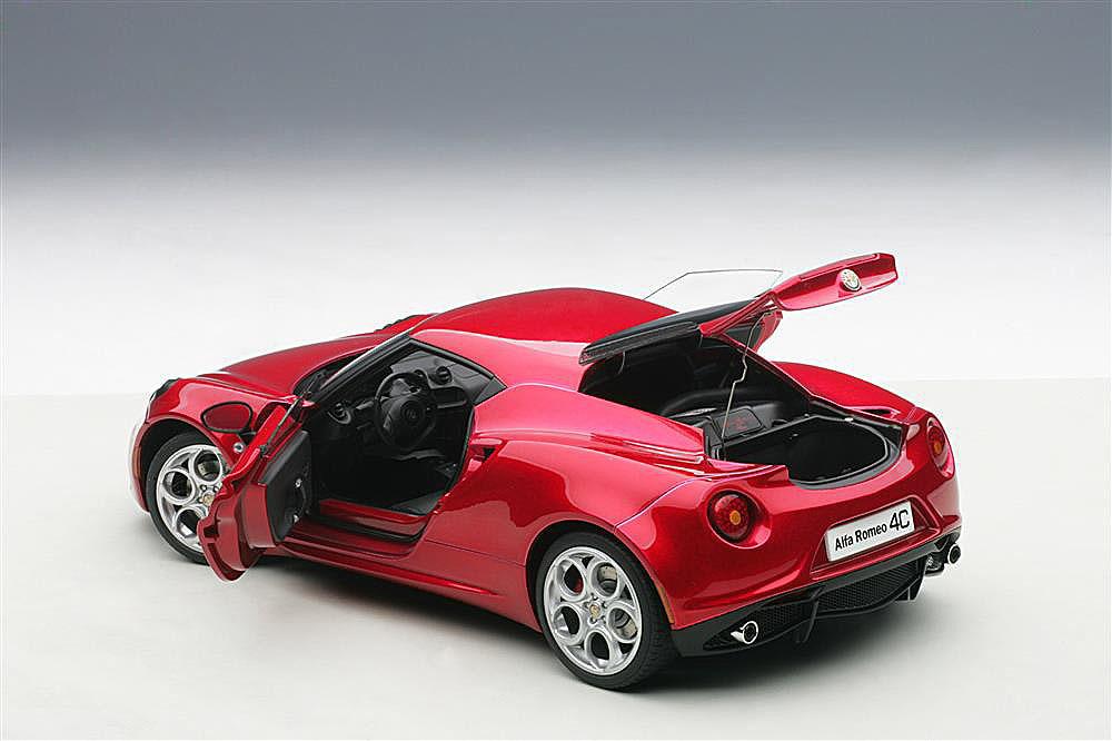 Коллекционная модель Alfa Romeo 4C 2013