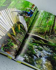 Книга «Атлас приключений. Незабываемые ощущения, которые стоит пережить хотя бы раз» из серии Lonely Planet, 340 стр