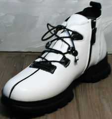 Модные ботинки женские Ripka 146White