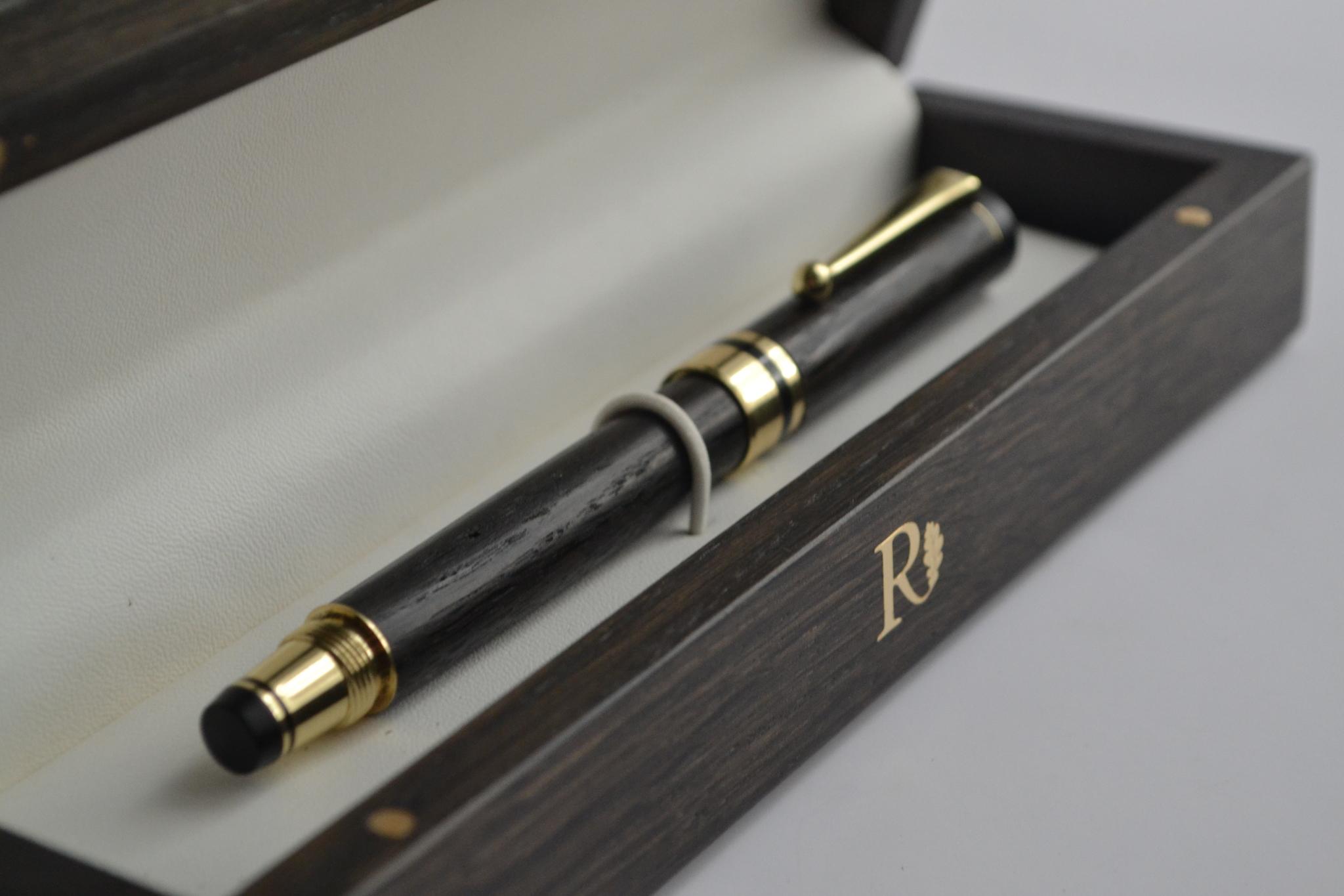 ручка из мореного дуба