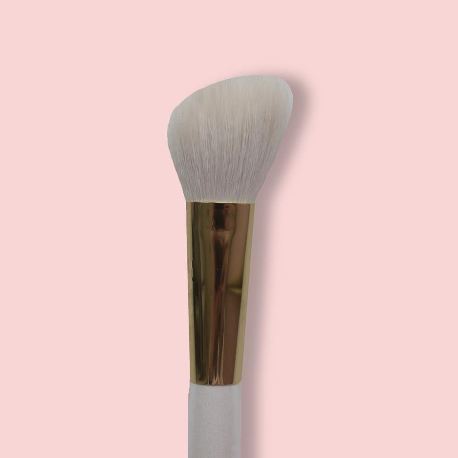 Oh My brush Angeled contouring brush 108