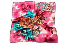 Итальянский платок из шелка розовый с цветами 5402