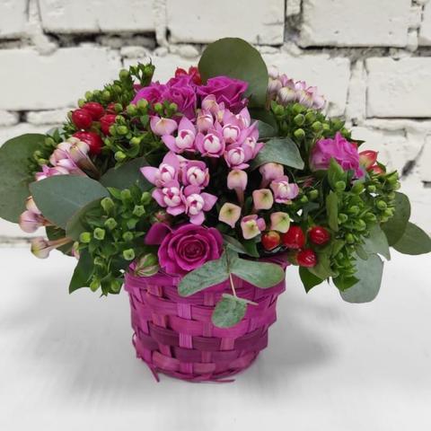 Композиция цветы в корзинке №2