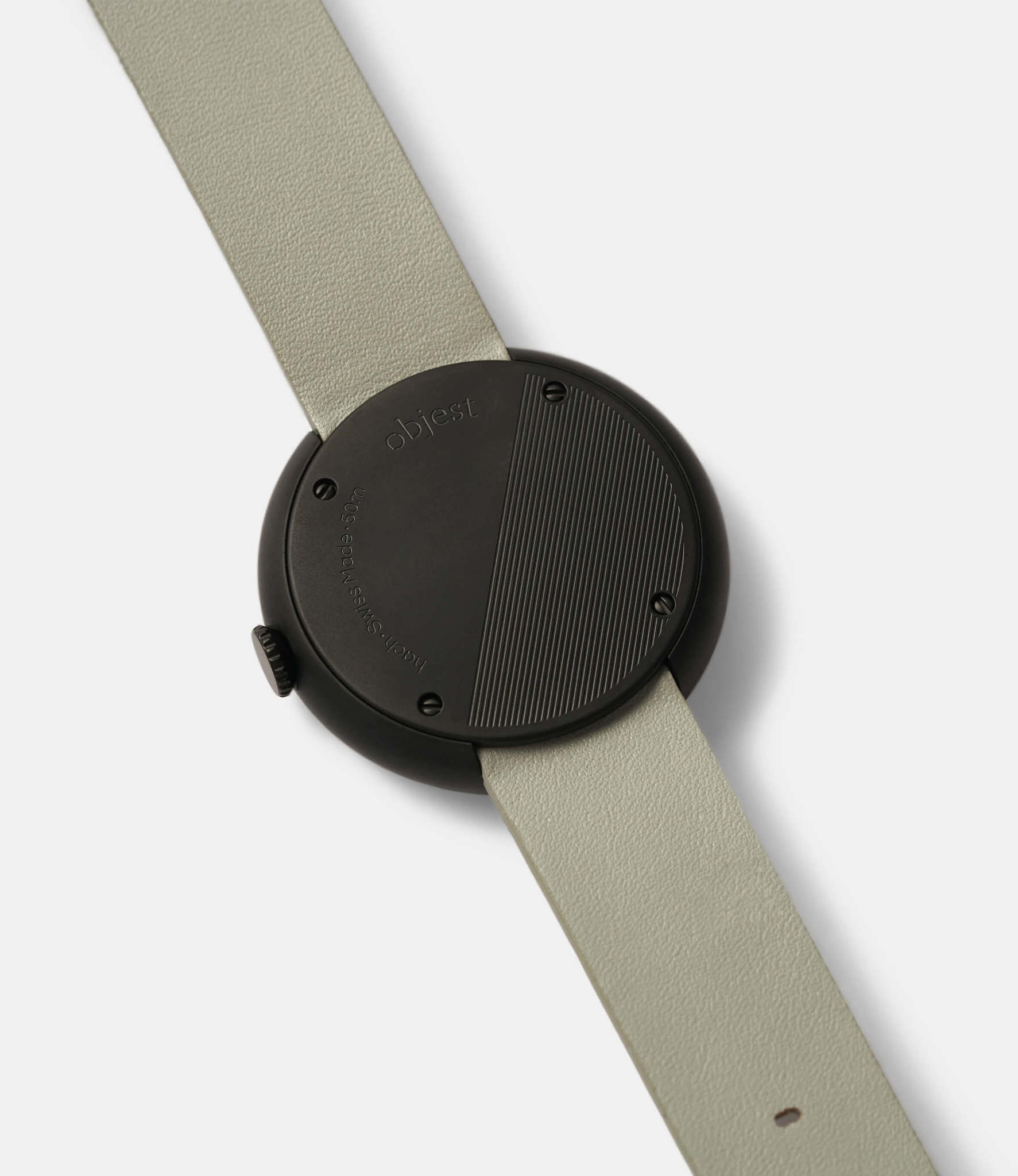 Objest Hach Grey — кварцевые часы с рельефным циферблатом
