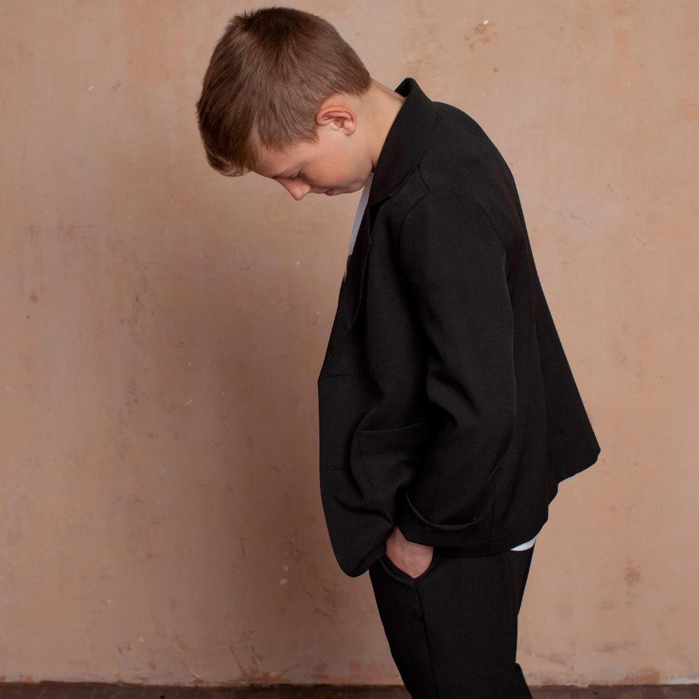 Дитячий, підлітковий літній брючний костюм в чорному кольорі для хлопчика