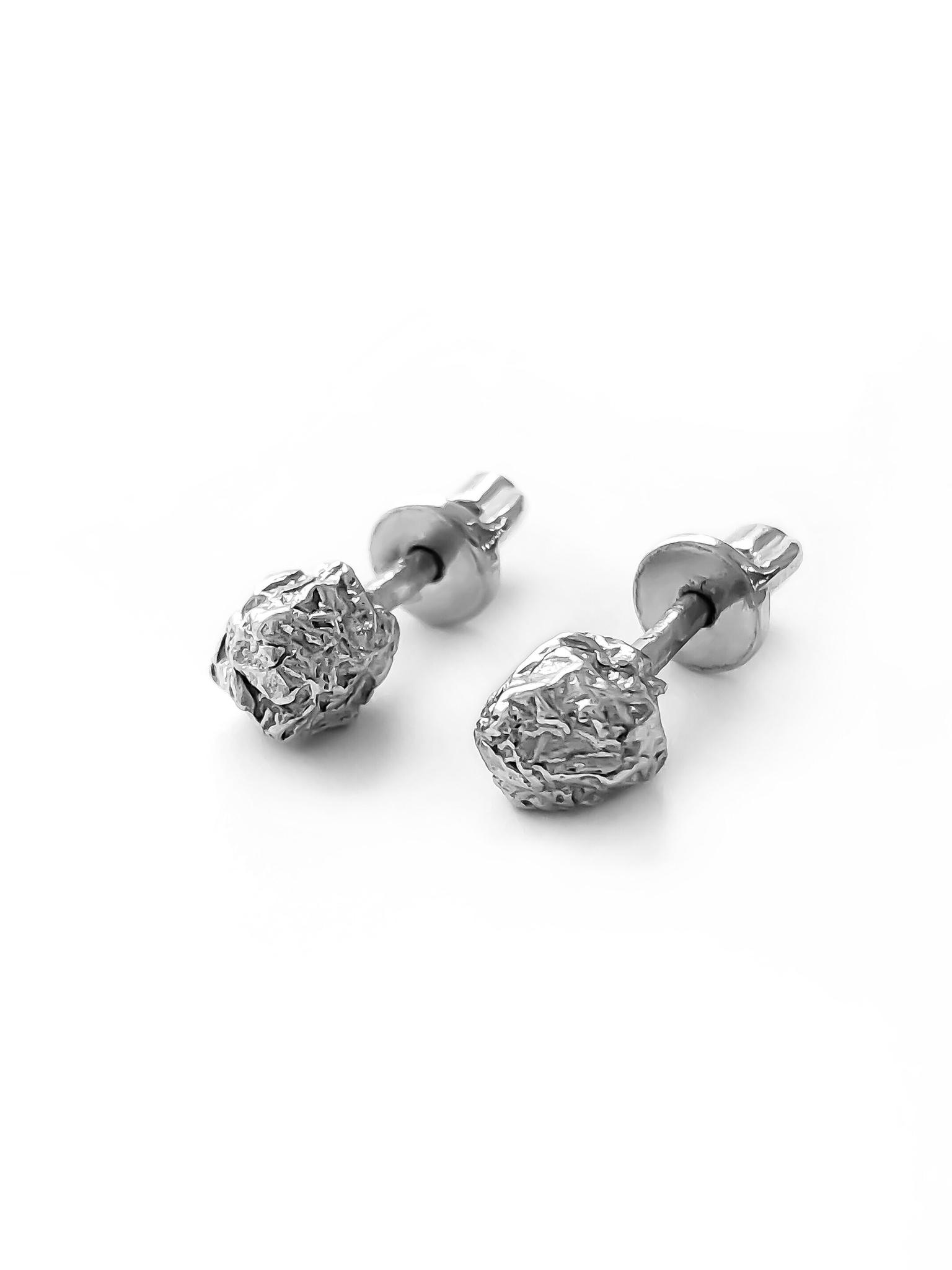 Серебряные серьги-пусеты шарики