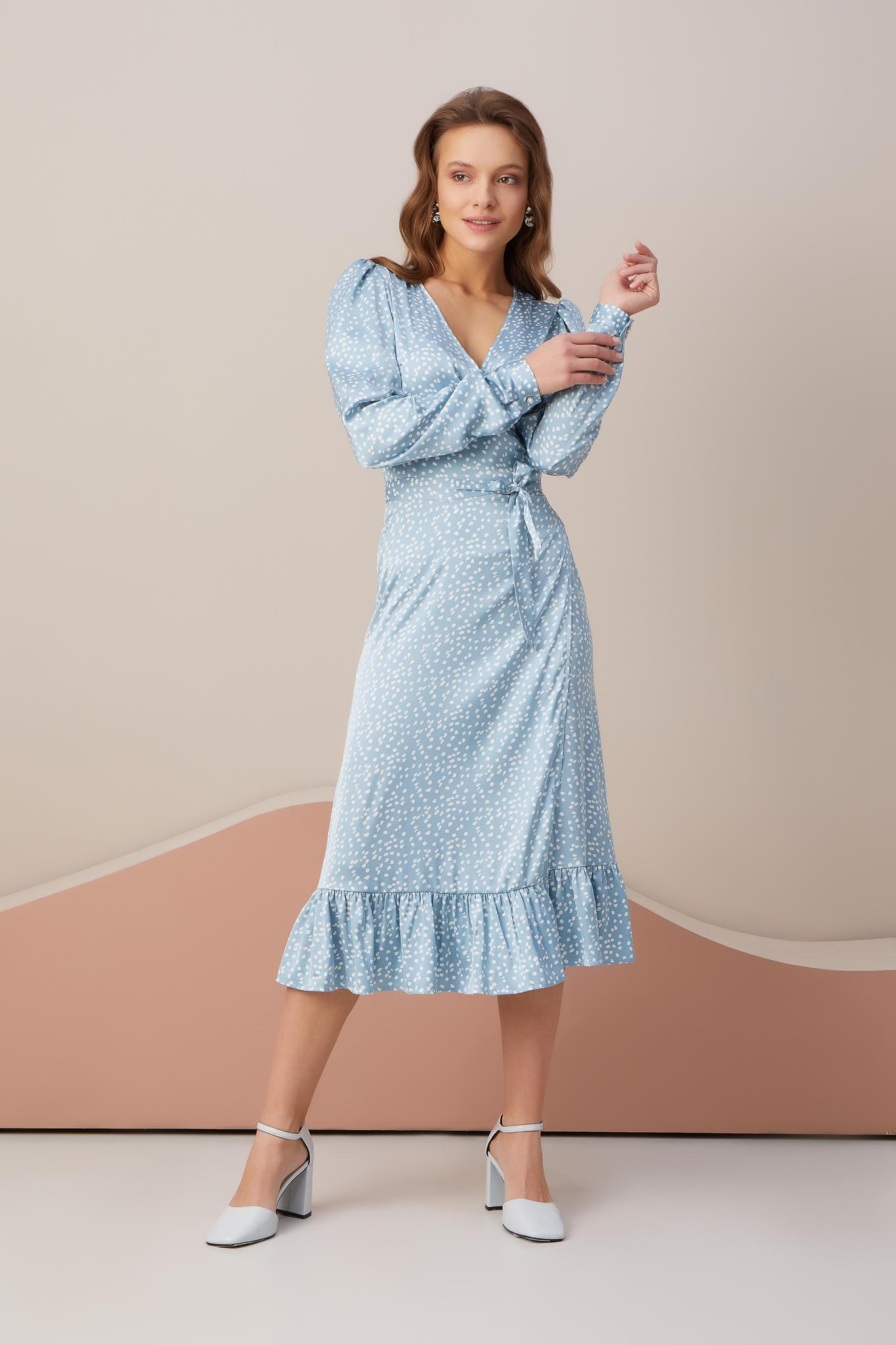Платье с длинным рукавом на запах (пятна на голубом)