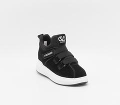Черные ботинки на платформе