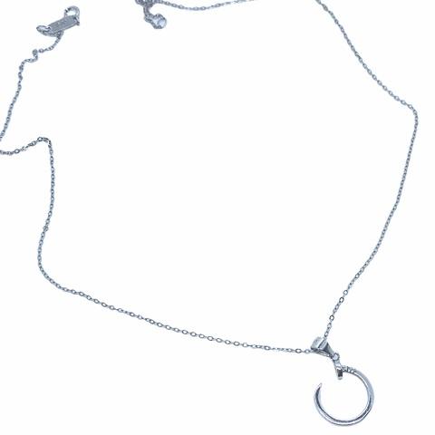 70032 - Колье из серебра с подвеской в виде скрученного гвоздя
