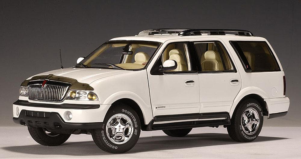 Коллекционная модель Lincoln Navigator 1999