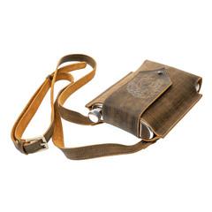 Фляжка в кожаной сумке