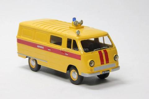 ERAZ-762 V Emergency Service Vector-models 1:43