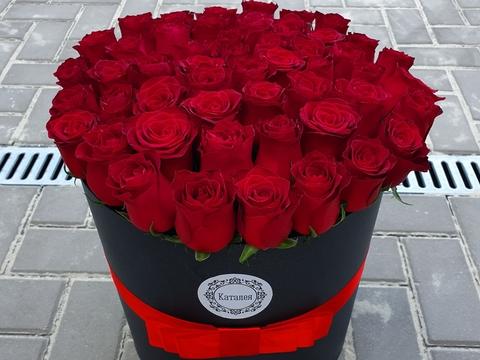 51 роза в коробочке