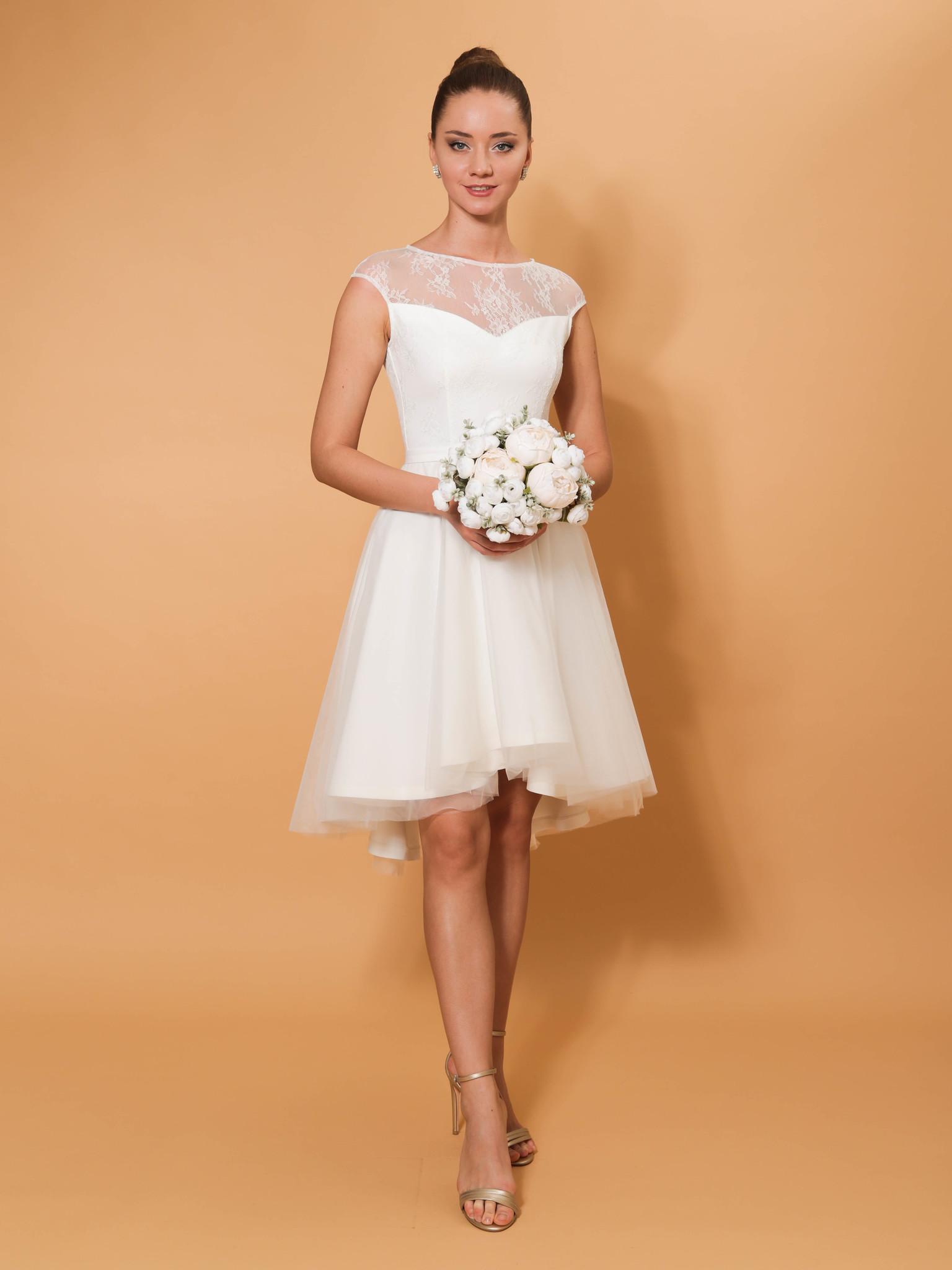 Свадебное платье с ассиметричной юбкой (молочный)