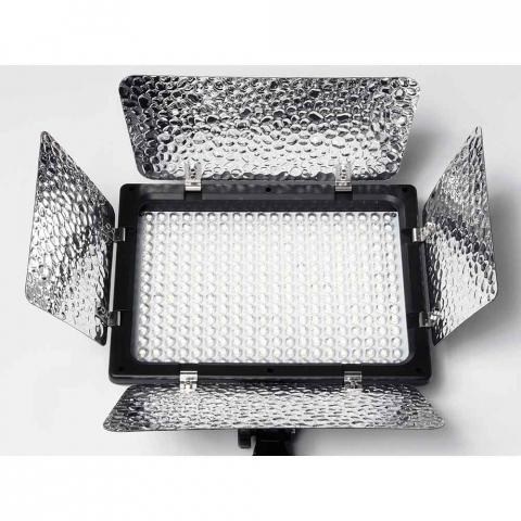Fotokvant LED-300II PB светодиодная панель со шторками