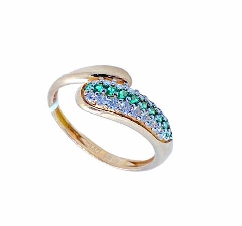 n1-984-2- Кольцо из золоченого  серебра с зелёными фианитами