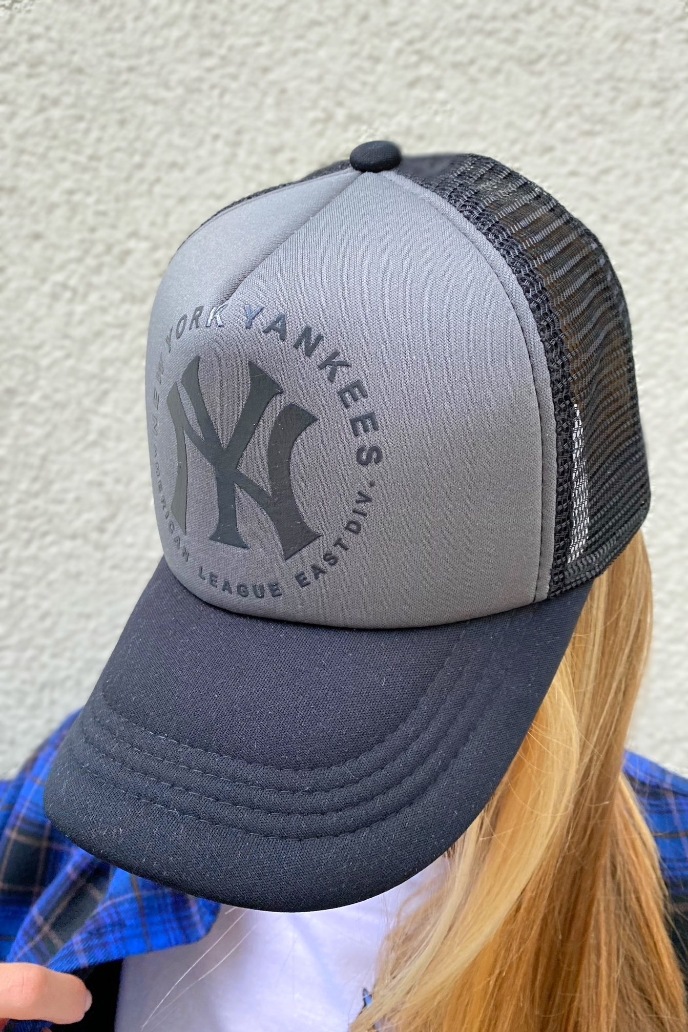 Бейсболка с сеткой NY
