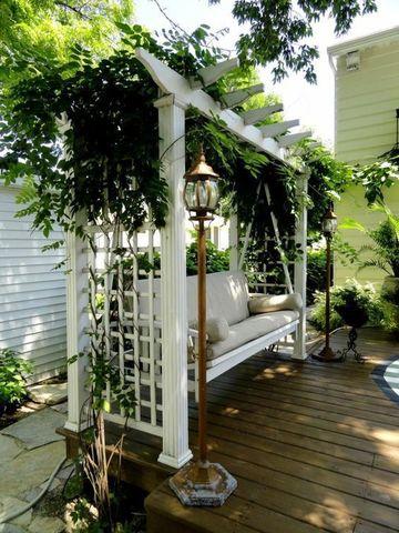 садовые качели с перголой