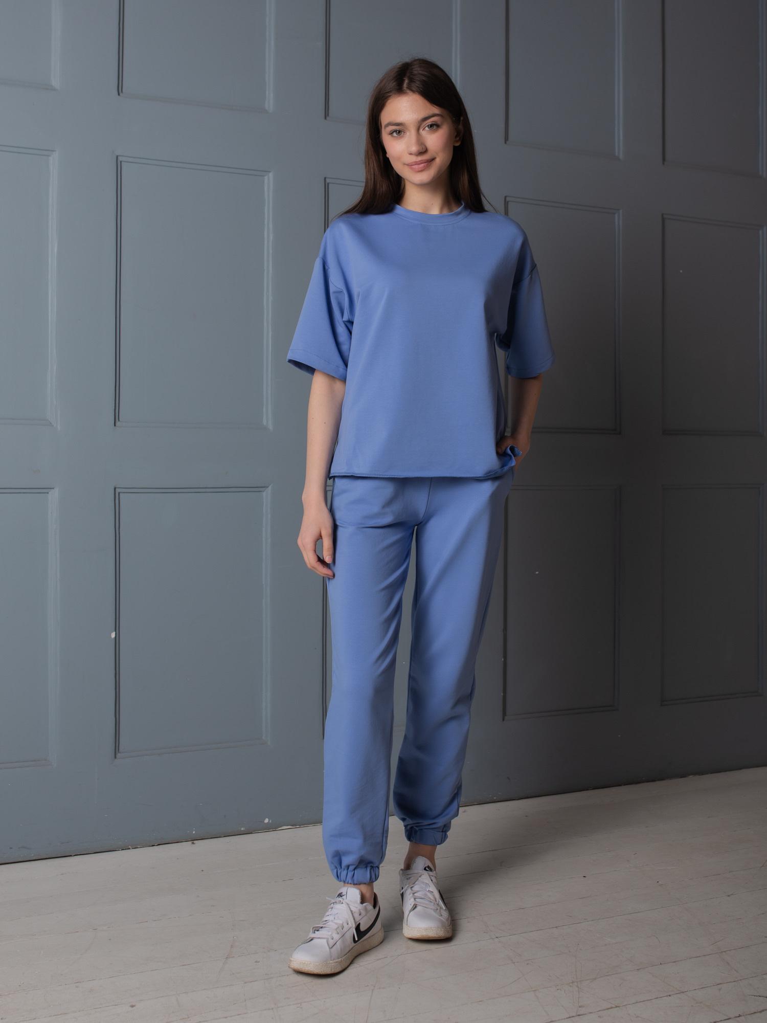 Костюм из смесового хлопка ( широкая футболка и брюки с манжетами) голубой