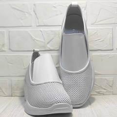 Женские кожаные слипоны кроссовки белые стиль кэжуал летние Derem 1761-10 All White.