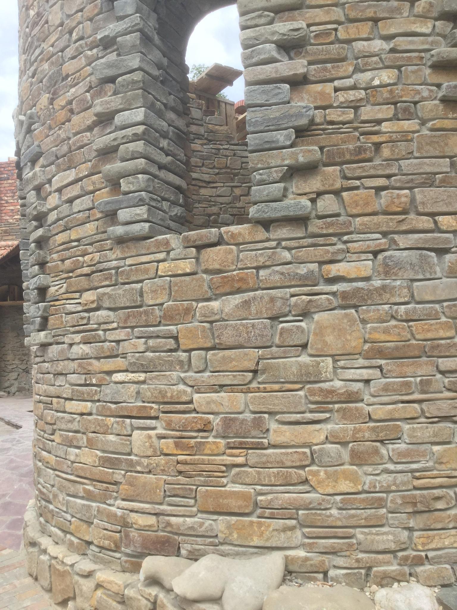 Плитка песчаник пиленный с 2-х сторон Серый замок