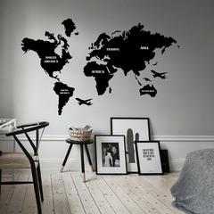 Карта Мира из стекла Black фото в интерьере