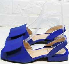 Яркие сандали босоножки открытые на каблуке 3 см Amy Michelle 2634 Ultra Blue.