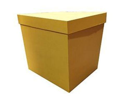 Коробка для воздушных шаров с персональным оформлением золотая