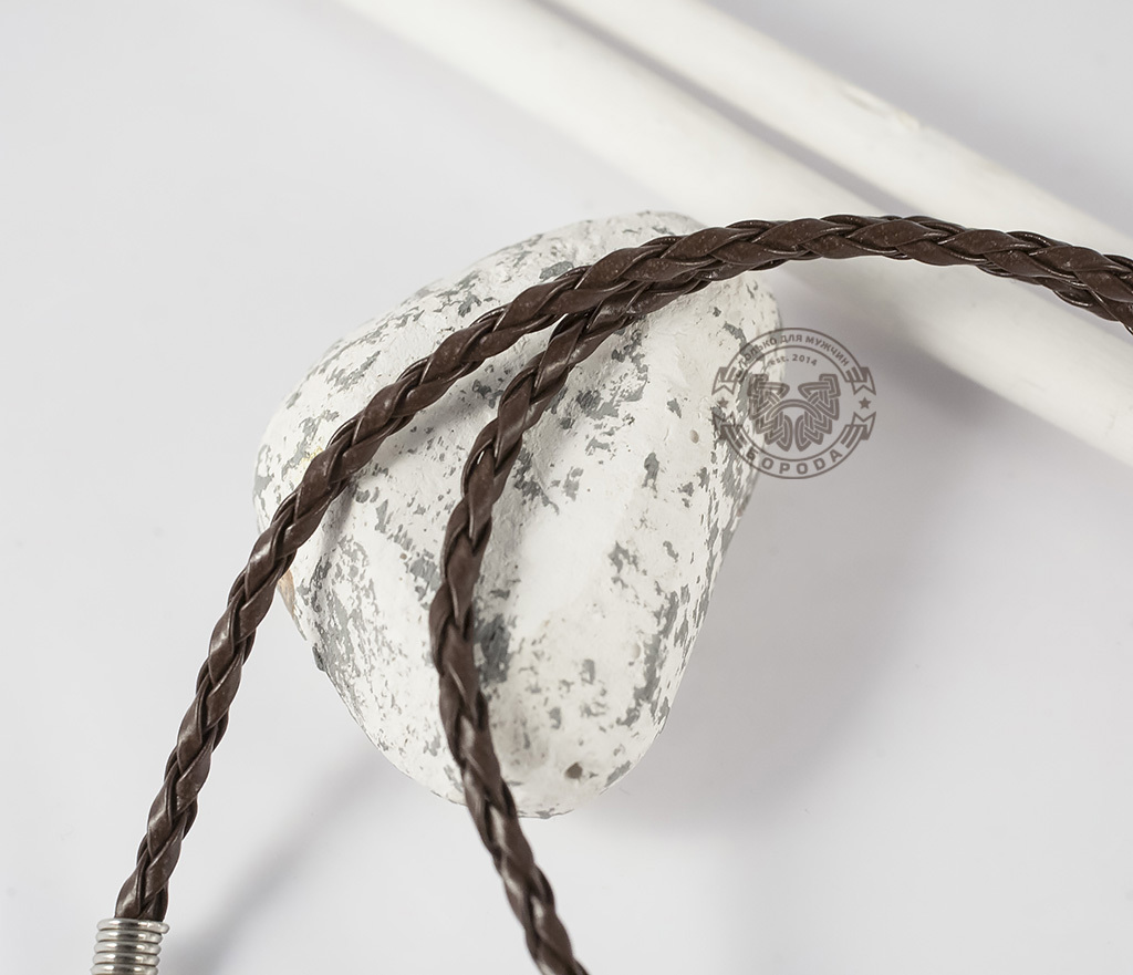 PL260-2 Кожаный шнур коричневого цвета с застежкой (46,5-51 см) фото 03