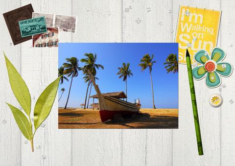 Лодка среди пальм