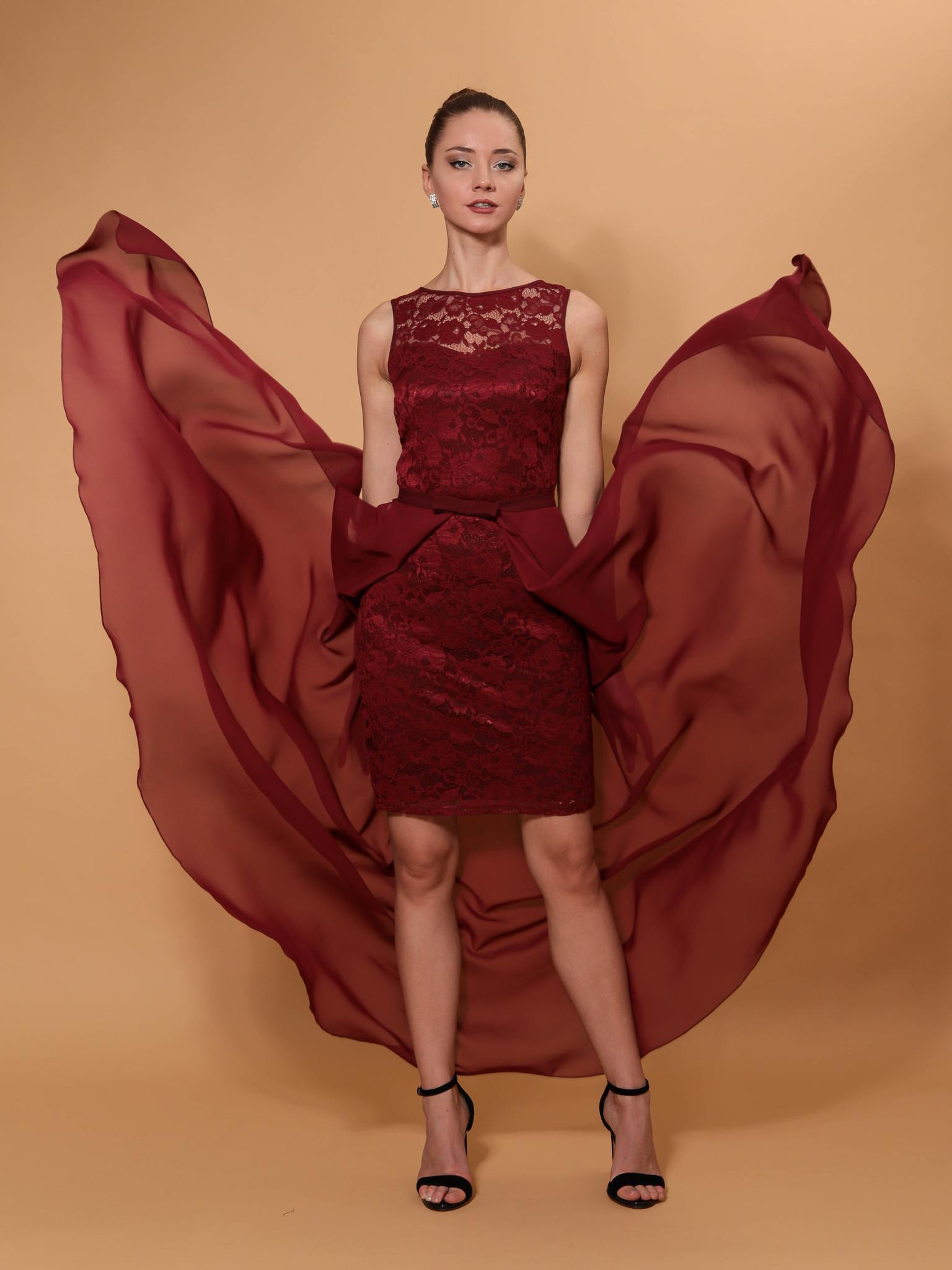 Нарядное платье со съемной юбкой из фатина (бордовый)
