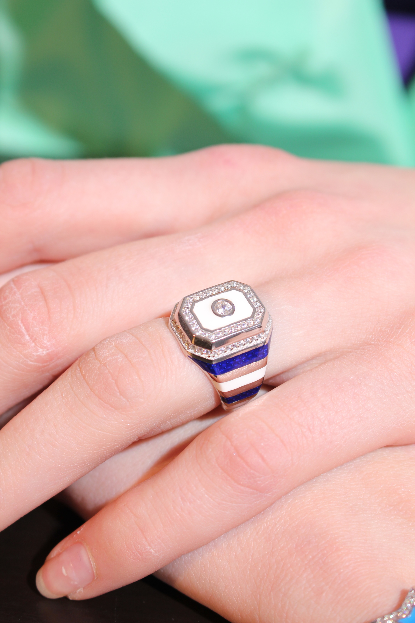 Signet ring in silver with blue and white enamel stripes