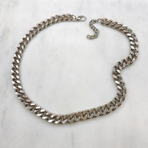 Колье-цепь плоская с округлыми звеньями (серебристый)