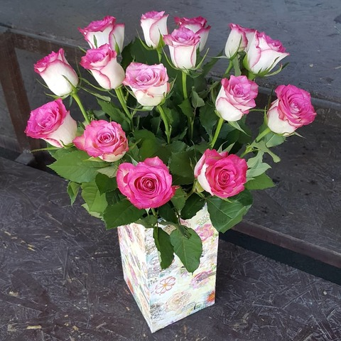 Ваза деревянная с розами 8