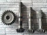 Вал-шестерня редуктора привода щетки  (L = 290мм)